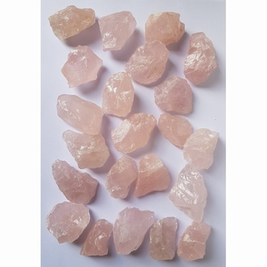 Brokken Roze Kwarts 1 kg (ca 19 brokjes)