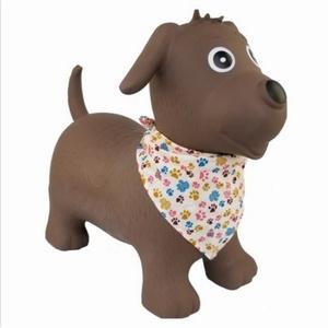 Skippy Beest Hond Bruin met sjaaltje