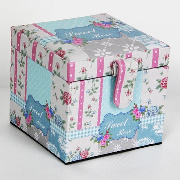 Juwelenkist vierkant roze; karton en kunstleer