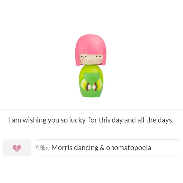 Momiji Doll - Lucky met mini button